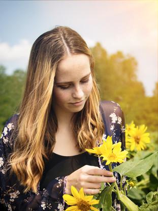 Lexi  Senior Photos Sunflower field 194