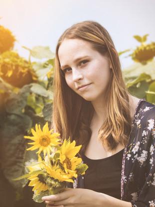 Lexi  Senior Photos Sunflower field 215b