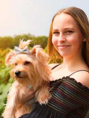 Lexi  Senior Photos Sunflower field 67c.