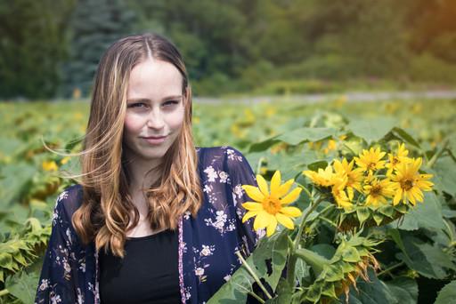 Lexi  Senior Photos Sunflower field 192a