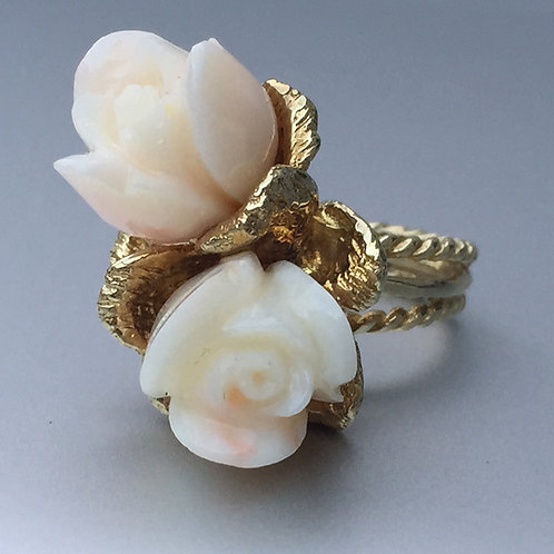 14k Yellow Gold & Carved Coral Floral Rose Ring