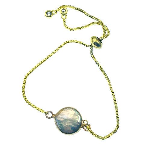 Bezel Pearl bracelet on box chain