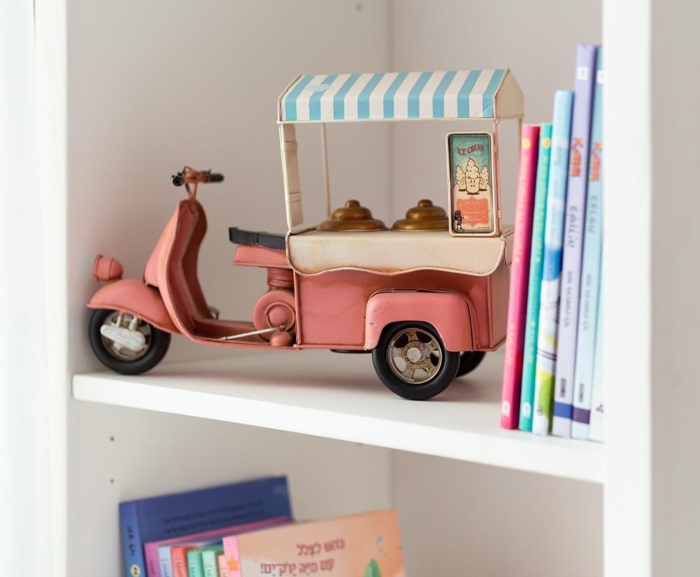 חדר מעוצב לילדה בקונספט גלידה