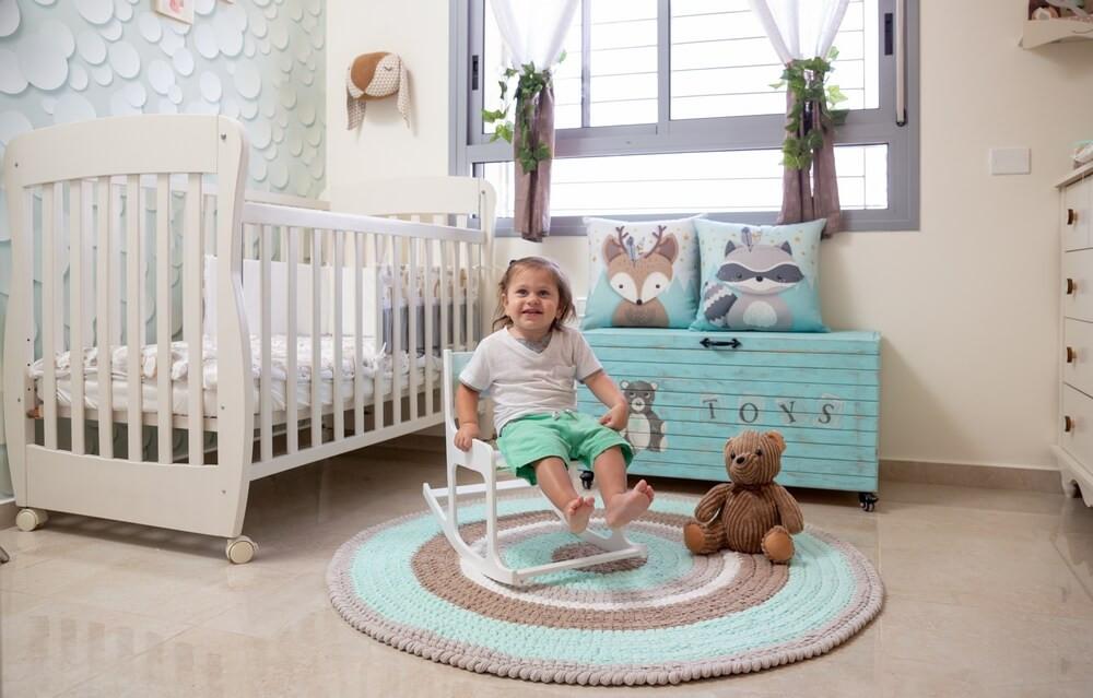 חדר תינוקות מעוצב בקונספט של יער קסום