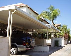 גג מבודד לחניה