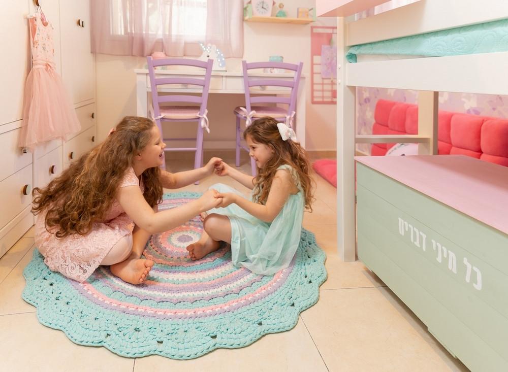 עיצוב חדר ילדים משותף לשתי אחיות