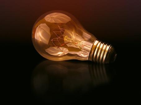 מה כל עצמאית יכולה ללמוד מחברת חשמל?
