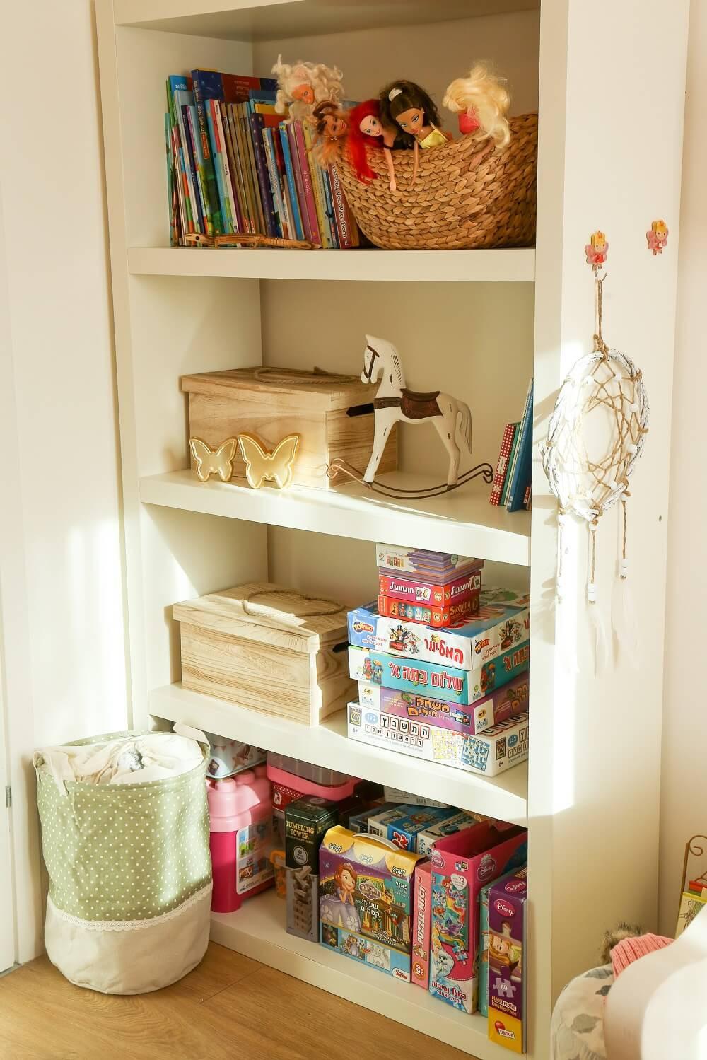 עיצוב חדר ילדים כפרי בצבעי חאקי ואפרסק