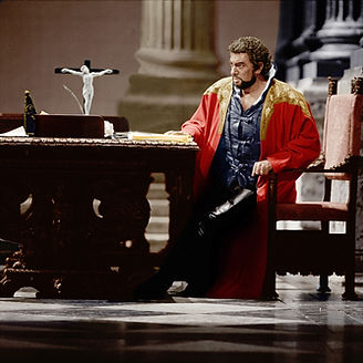 OTELLO by Verdi ; Placido Domingo (as Otello ) ;  at the Royal Opera House, London, UK ;  Set design by Timothy O'Brien; Costume designer by Peter J Hall; Lighting designer by Robert Bryan; Choreographer by Eleanor Fazan ; October 1992 ; Credit: Clive Barda