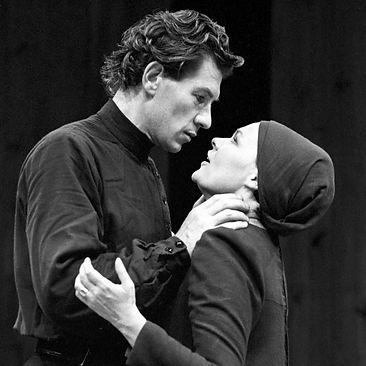 MACBETH by Shakespeare ; Ian McKellen (as Macbeth) ; Judi Dench (as Lady Macbeth) ; at The Other Place, Royal shakespeare Company, Stratford-upon-Avon, UK ; 5 August 1976 ; Credit : Laurence Burns