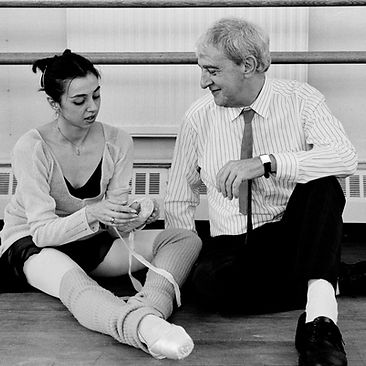 PRINCE OF THE PAGODAS ;  Rehearsals ; Choreographer Sir Kenneth MacMillan with ballet dancer Nina Ananiashvili ; The Royal Ballet School, Talgarth Road, London, UK ;  8 June 1990 ; Credit: Bill Cooper