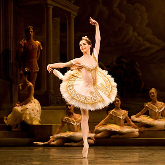 SYLVIA by Delibes ; Full stage ; Darcey Bussell (as Sylvia) ; Choreography by Ashton ; The Royal Ballet ; at The Royal Opera House, Covent Garden, London, UK ; Revival ; November 2005 ; Credit : Johan Persson
