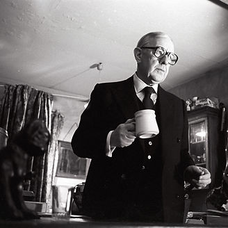 SMILEY'S PEOPLE by le Carre; Sir Alec Guinness as George Smiley;  Filming of the mini series; Directed by Langton; October 1981; Credit: John Timbers