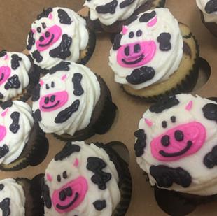 cow cupcakes.JPG