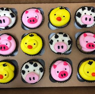 barnyard cupcakes.JPG