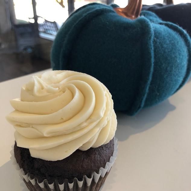 chocolate vanilla cupcake.jpg