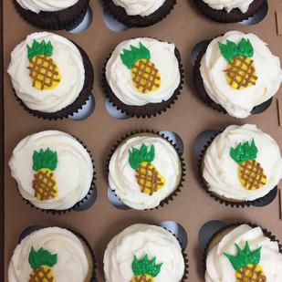 pineapple cupcakes.jpg