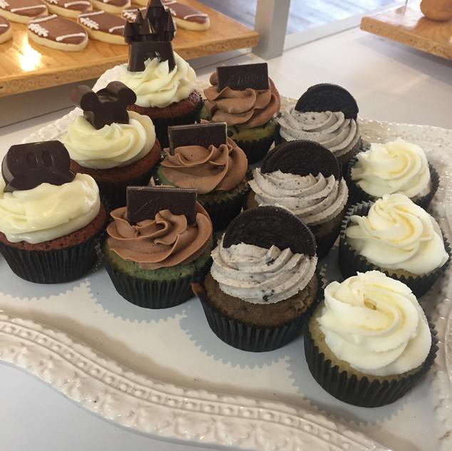 cupcake display 2.JPG