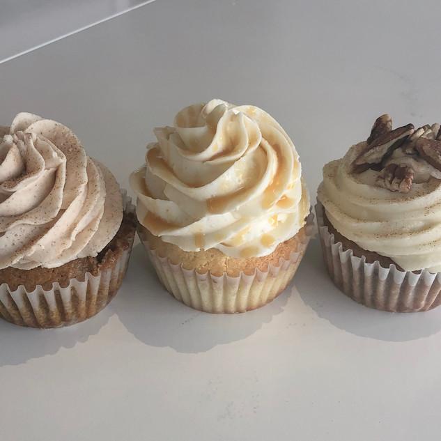 fall flavor cupcakes.JPG