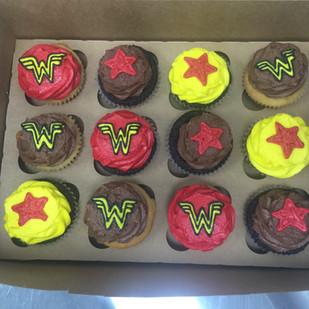 wonderwoman cupcakes.JPG