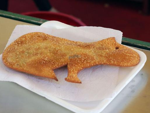 Pastel e coxinha em formato de capivara na feirinha de Cascavel