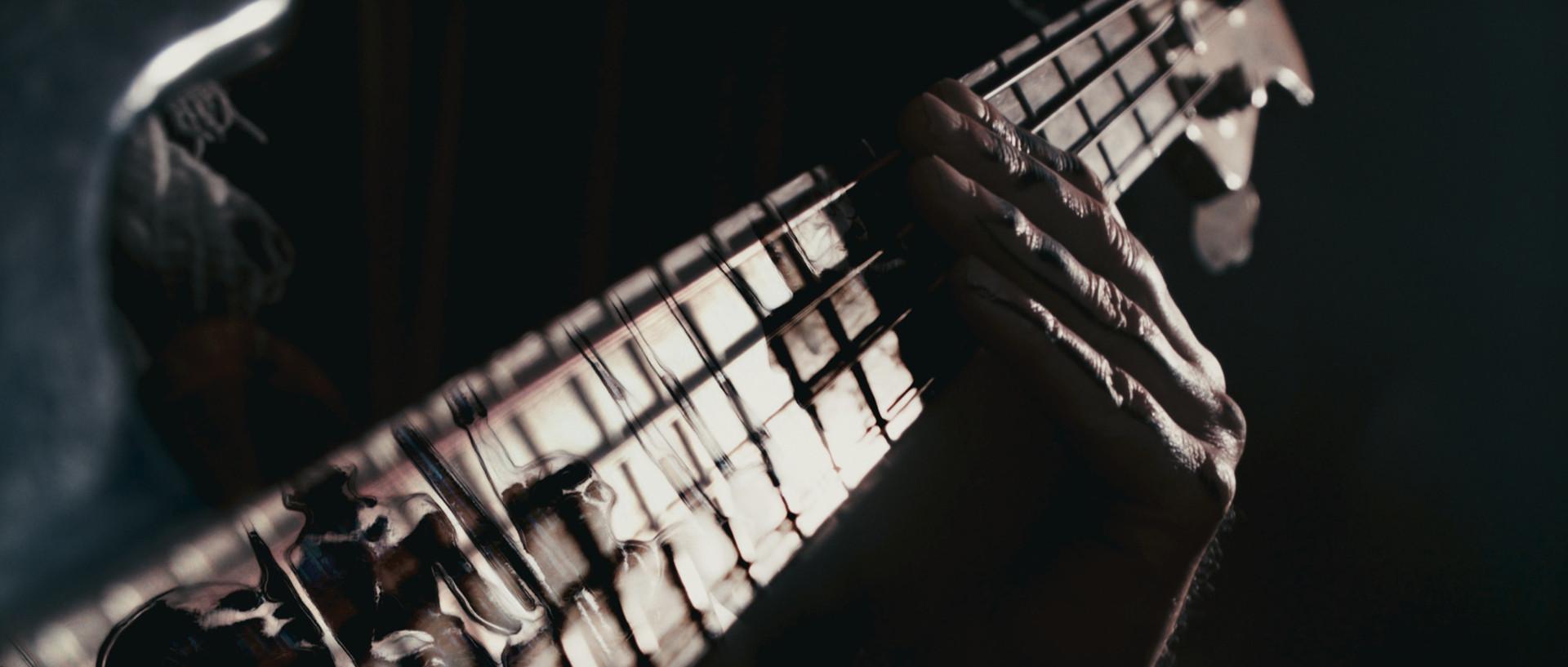 DirenAgbaba_musicvideo_Urukhigh_2