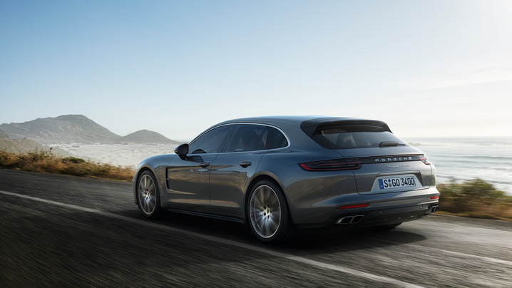 New Panamera and 911 models celebrate world premier
