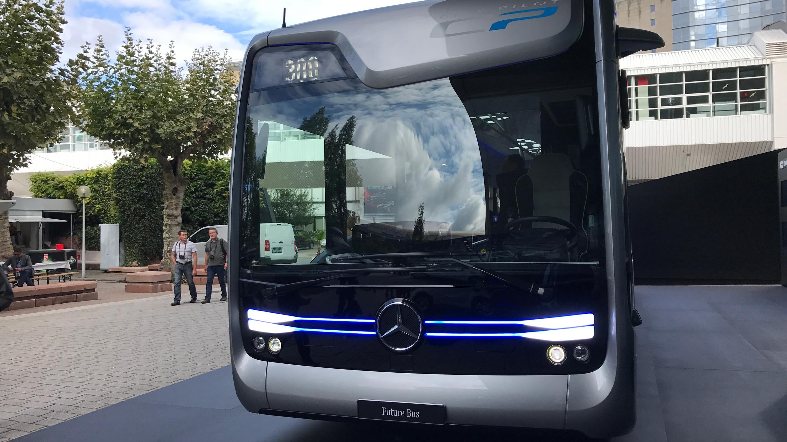 Mercedes, Bus a guida autonoma