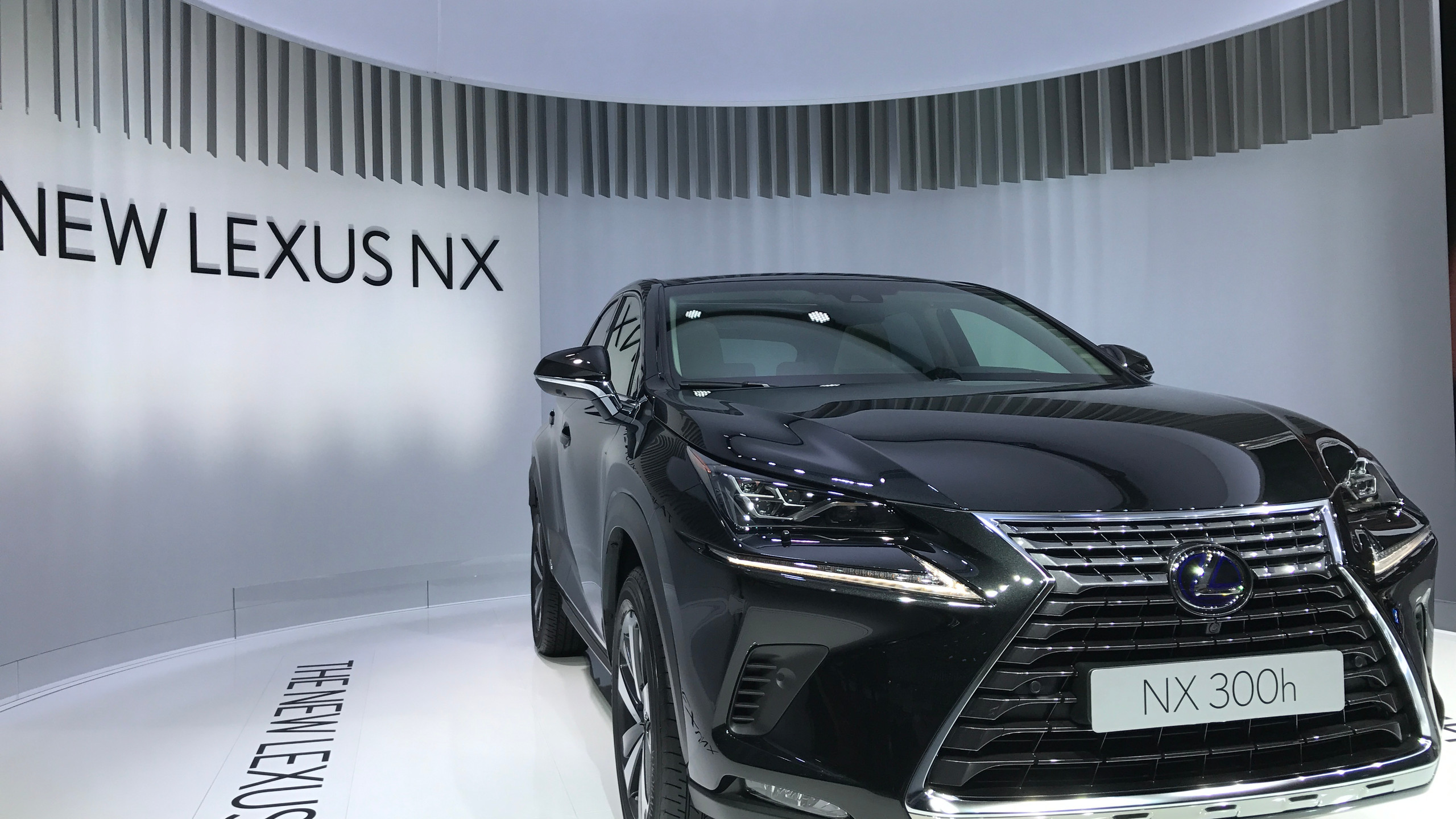 Lexus NX 300, frontale rivisto