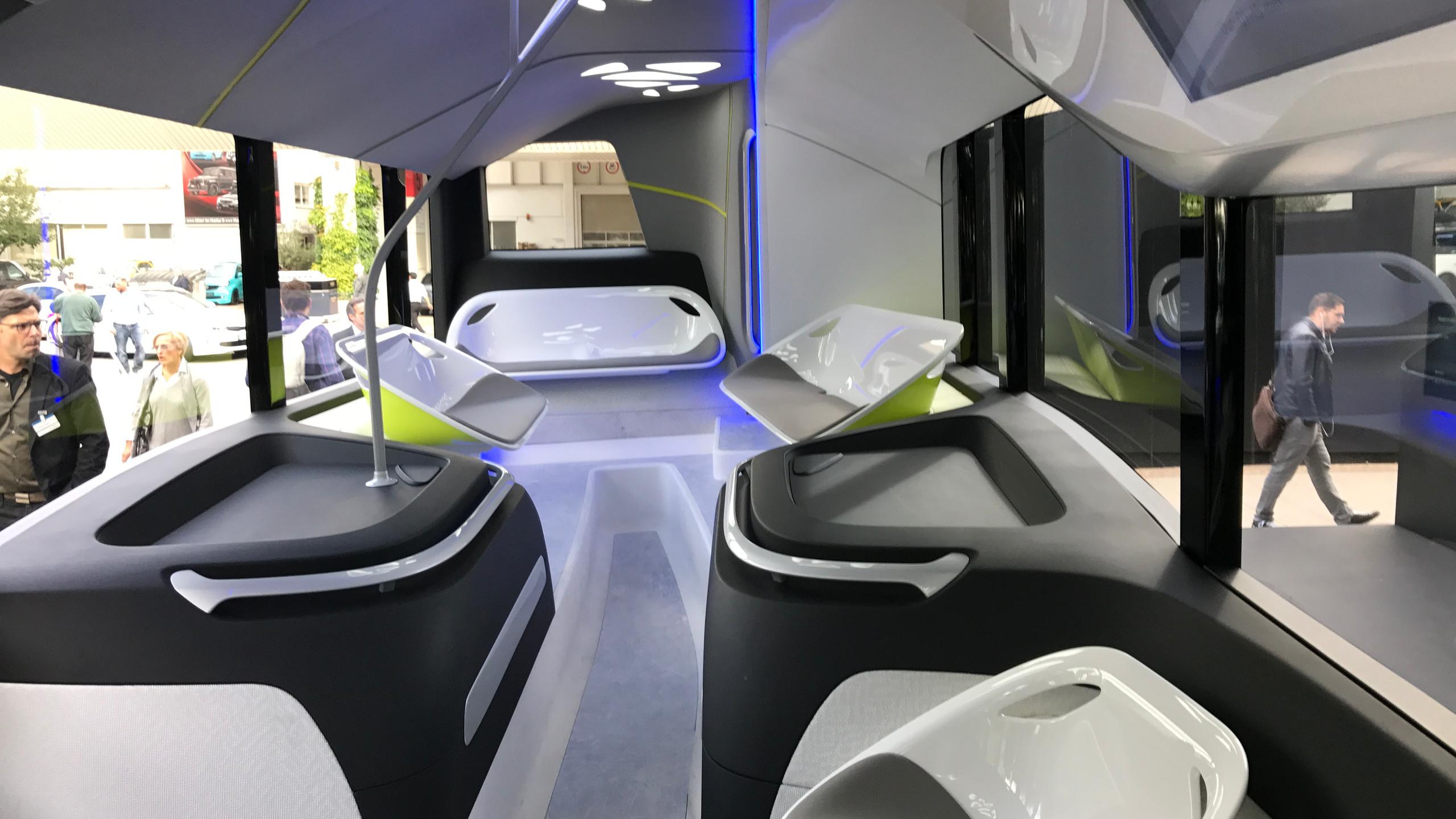 Bus a guida autonoma, gli interni