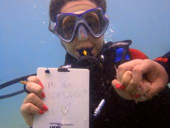 Promessa di matrimonio subacquea