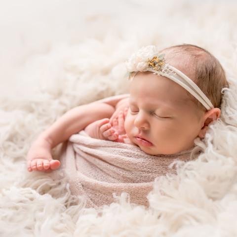 Nora.Newborn-038.jpg
