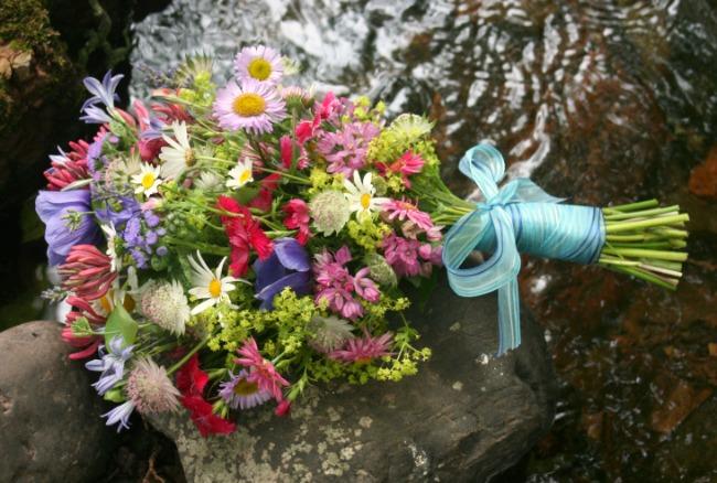 June - Small Brides Bouquet