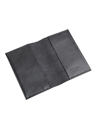 Обложка кожаная с карманами под карты