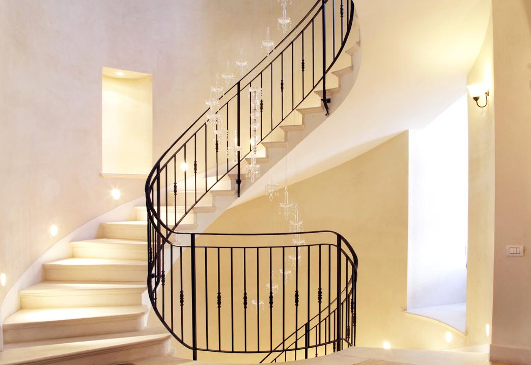 בית ברמת החייל, מדרגות קרמה