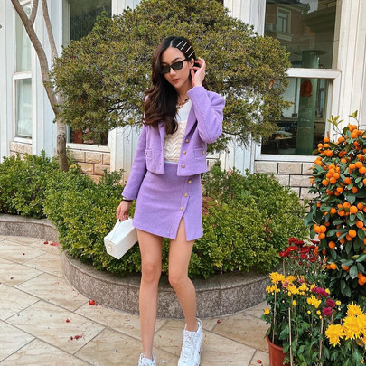 how to adopt the mini-skirt look