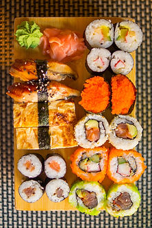 sushi-2620063_1920.jpg