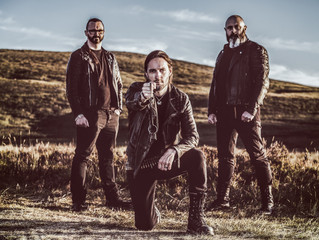 Miserable Irish trio THE CRAWLING release new video!
