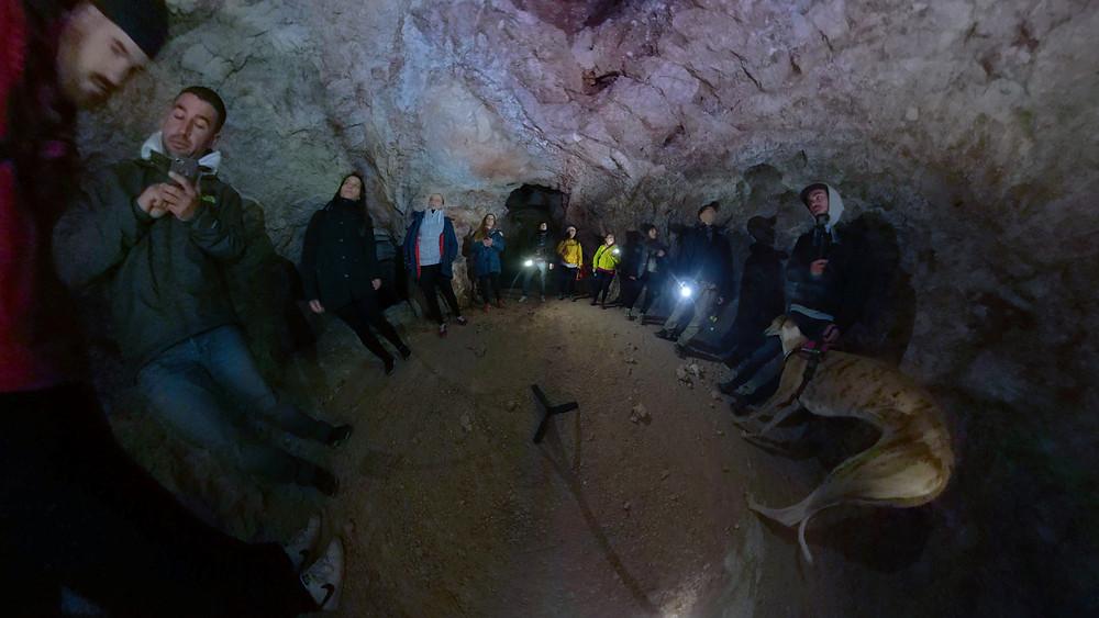 Interior de una de las cuevas
