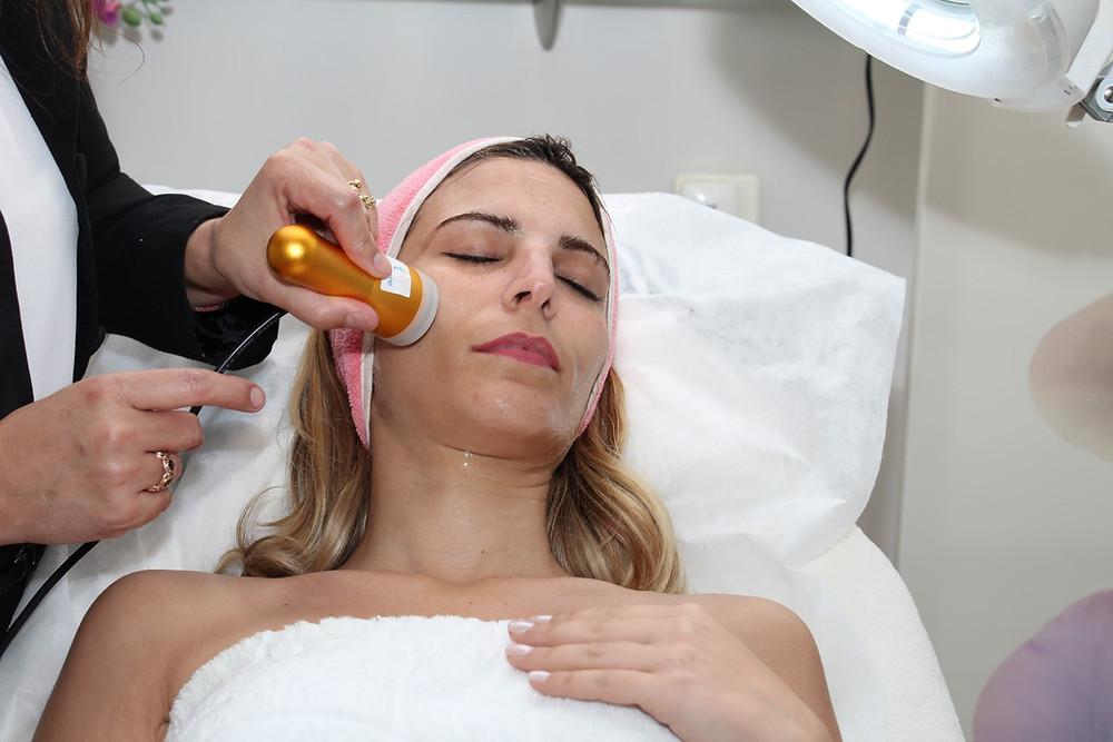 אור לעור - סוזי נחמן - טיפול מזוטרפיה