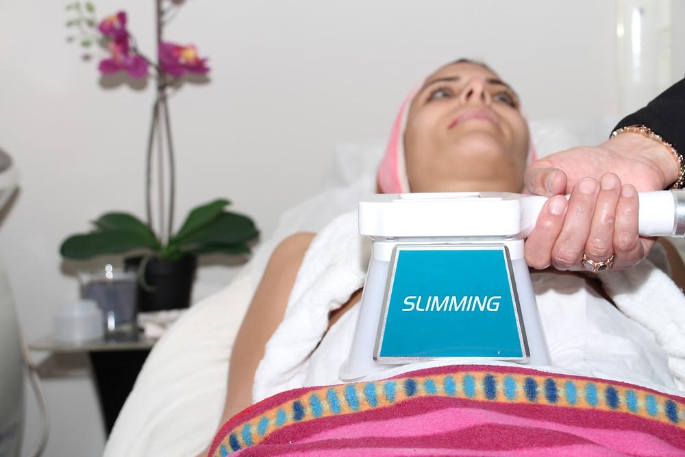 קורס מקצועי |טיפול מקצועי המסת שומן בקור