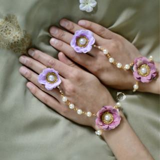 mauve + lilac minimalist pearl hath-phool