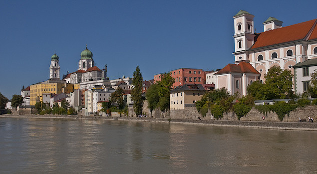1183_645_349_FSImage_1_O40_Passau_panora