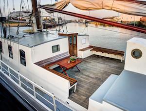 Elizabeth-deck.jpg