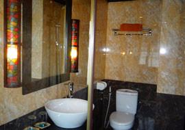 Vietnam-Junks-cabin03.jpg