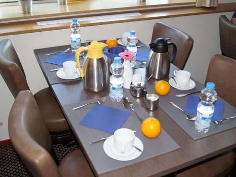Arlene-II_restaurant_breakfast_1-1.jpg