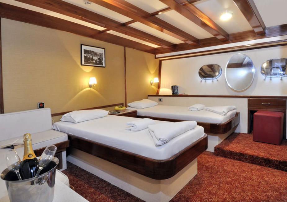 Halis-Temel-Cabin01.jpg