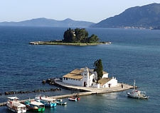 mouse-island-panagia-vlacherna-view-2-r.