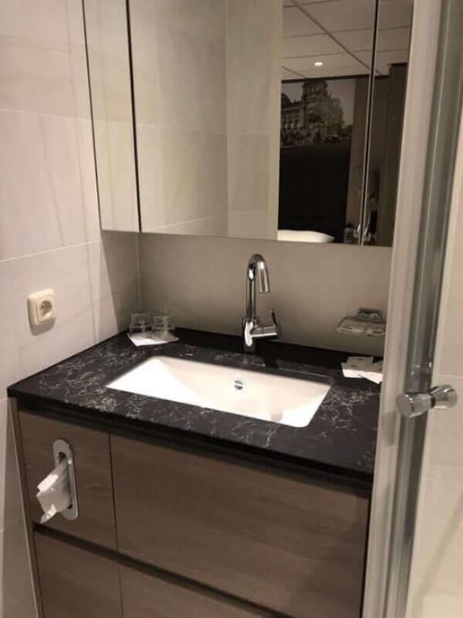 Arlene-II_cabin_twin_upper-deck_bathroom