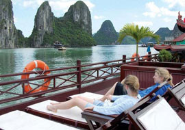 Vietnam-Junks-relaxation02.jpg